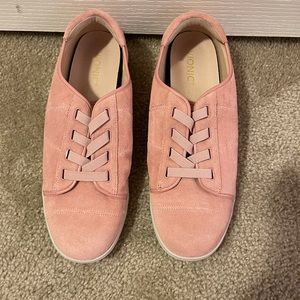 Vionic Woman's Sneakers Size 12